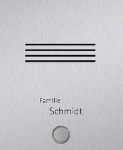 Detailansicht Edelstahlklingel mit Sprechanlage und Beschriftung
