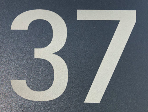 Briefkasten Edelstahl Pulverbeschichtung RAL7016 Anthrazit Beschriftung Hausnummer